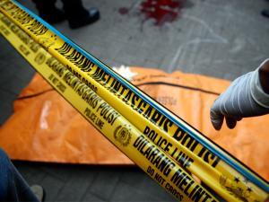 60990_pemuda_yang_tewas_di_kampus_atmajaya_di_bungkus_dalam_kantong_jenazah__thumb_300_225
